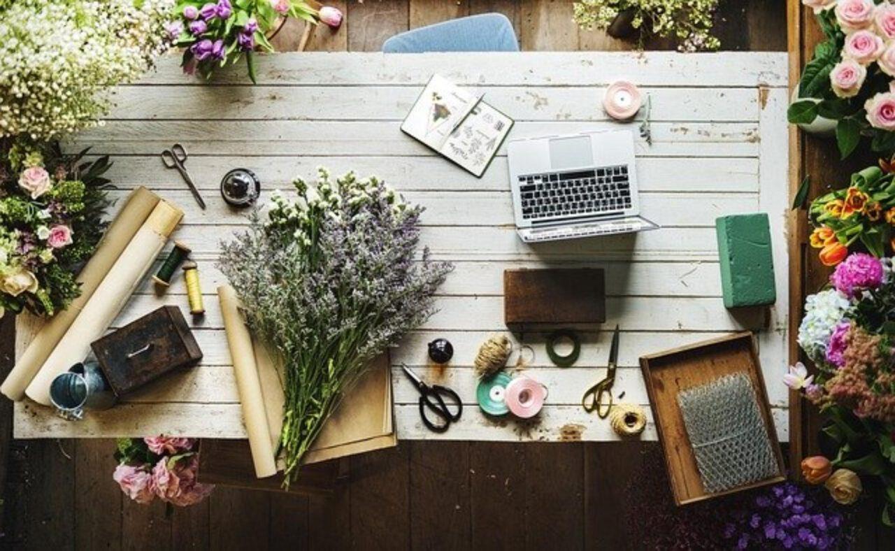 Dekoracje wnętrz – ozdoby na stół