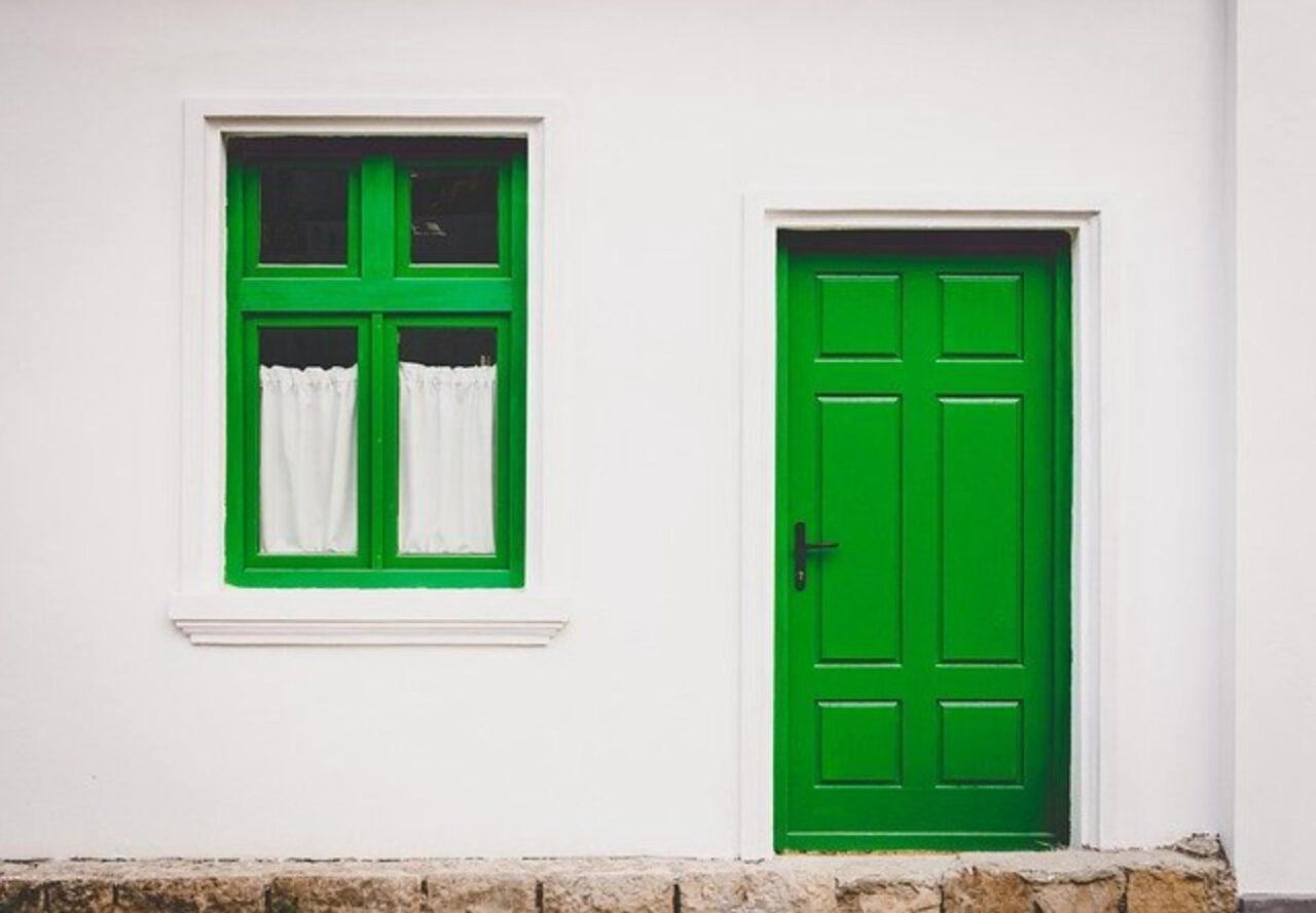 Drzwi przylgowe i bezprzylgowe