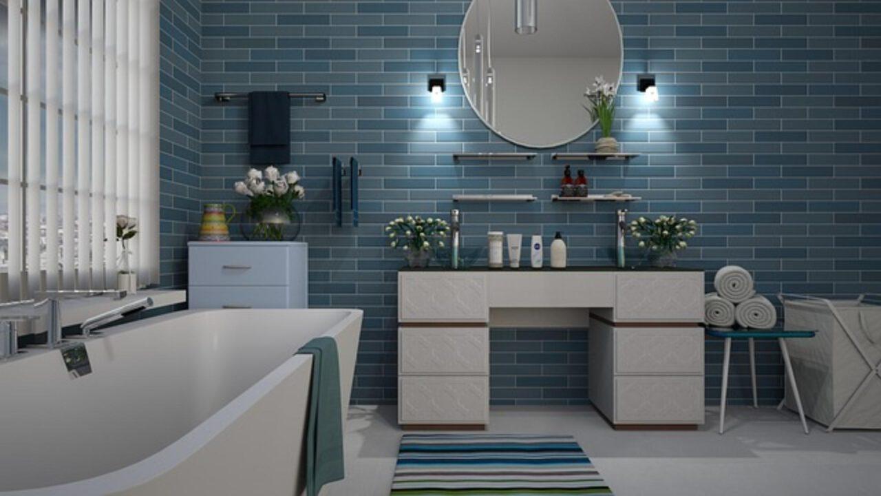 Które płytki łazienkowe sprawdzą się najlepiej – matowe czy błyszczące?
